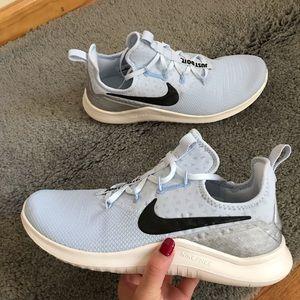 Nike TR8